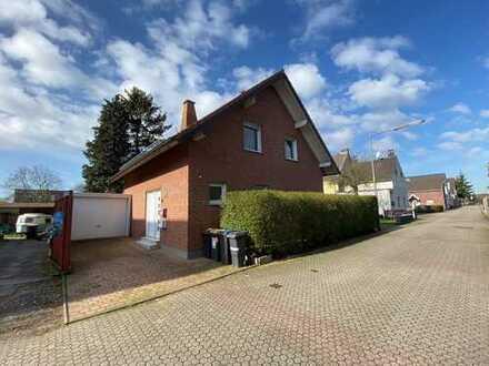Freistehendes Einfamilienhaus Garten Garage Köln Roggendorf
