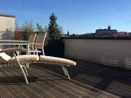 Stilvolle, modernisierte 4-Zimmer-Maisonette-Wohnung mit großer Dachterasse und EBK in Bamberg