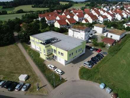 Büro-, Lager- und Entwicklungsflächen in ansprechendem Gebäude