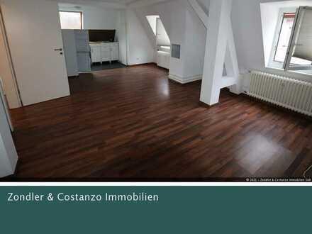 Schöne, gemütliche 2-Zi.-DG-Wohnung in zentraler Lage!!!