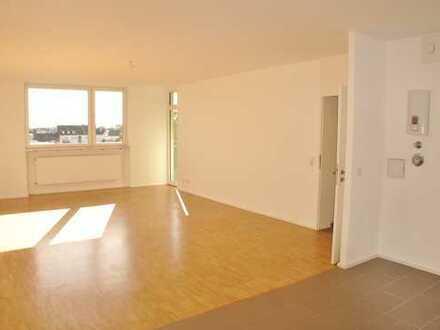 Sanierte 2 Zimmerwohnung mit reichlich Platz