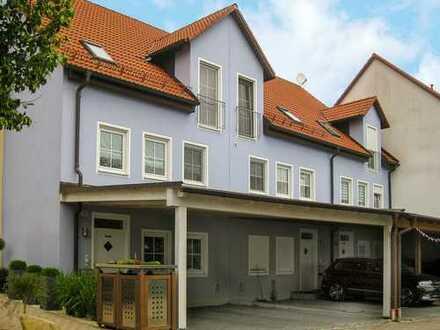 Herrliches REH mit 5 Zimmern, 2 Bädern, EBK, Terrasse, Garten und ausgebautem Studio