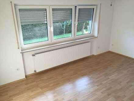 Sanierte 3-Zimmer-EG-Wohnung mit Terasse und Einbauküche in Ravensburg