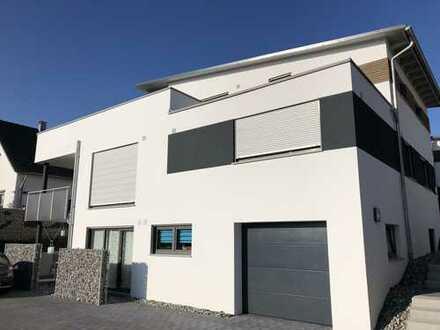 Neuwertige 3,5-Zimmer-EG-Wohnung mit Balkon und EBK in Nagold-Vollmaringen