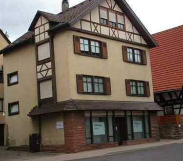 Mehrfamilienhaus mit Gewerbe (teilweise vermietet)