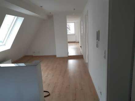 Charmante 3-Zimmer-Dachgeschoss-Wohnung - Mönsheim-Ortsmitte