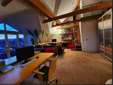 helle und freundliche Dachgeschosswohnung