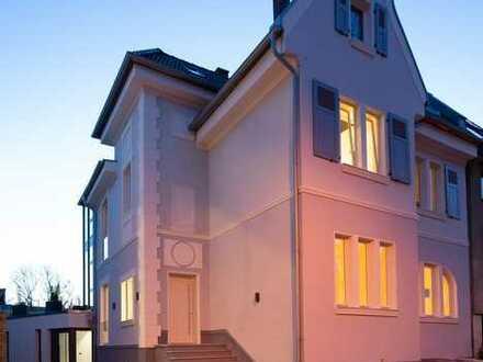 Erstbezug: Penthouse Maisonette-Wohnung in Jugendstil Villa - Luxus Ausstattung, Garten, EBK, Klima