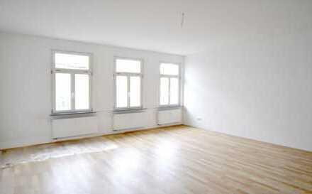 Komplett renovierte großzügige Wohnung in der Altstadt.