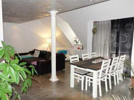 Stilvolle 4,5 Zimmer Maisonette-Wohnung. Hochwertig renoviert.
