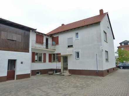 Sie hier ? Wir auch ! Großzügiges Einfamilienhaus mit ca. 1.500 m² Grundstück