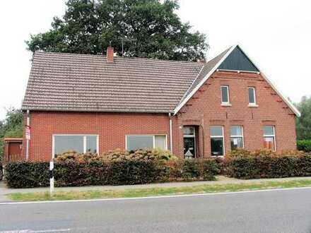 KVBM bietet an: großes Einfamilienhaus mit Weideflächen