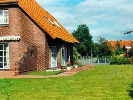 Gepflegtes Einfamilienhaus mit vier Zimmern und Einbauküche in Jever, Jever