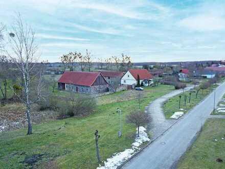 FRÜHJAHRS-AUKTION 2021: Vierseiten-Hofanlage mit 1 ha Grundstück nahe Berlin