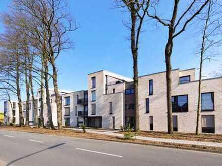 Ideales Wohnen auf 2 Ebenen: Komfortwhg. mit Dachterr. u. Tiefgarage in parkähnlicher Umgebung!!
