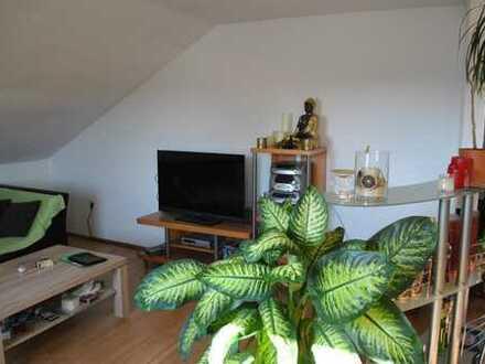 3 Zi. Wohnung im DG mit Garage in Adelsdorf, Ringstraße000