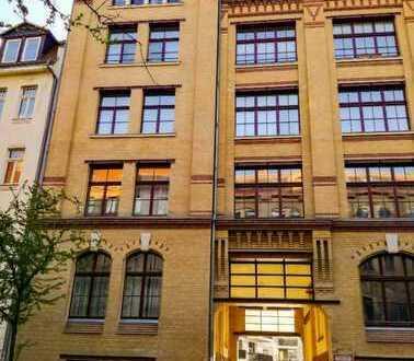 Ansprechende 5-Zimmer-Maisonette-Wohnung mit Balkon in Leipzig