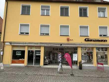 Beste Innenstadtlage in Roth! Attraktive, freie Ladenfläche + 2 Stellplätze! Renovierung inklusive!