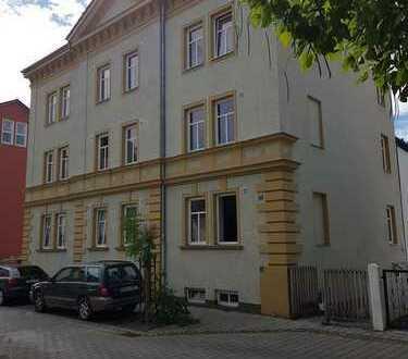Großzügig geschnittene 2 Zimmer-Wohnung mit Balkon