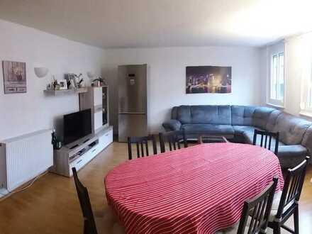Gepflegte 4-Zimmer-Wohnung mit Einbauküche in Nürtingen im Altbau