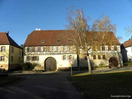 Fachwerkdoppelhaushälfte Nahe dem Schloss in Neulingen Bauschlott