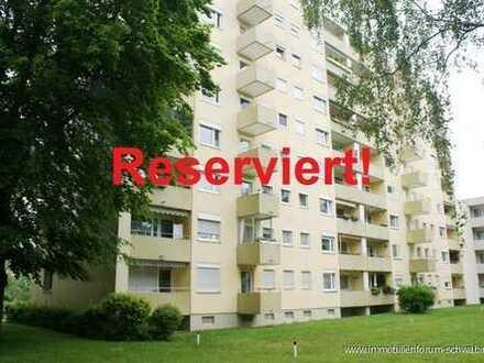 Reserviert! Gut geschnittene 2-Zimmer-Wohnung mit gelungenem Grundriss und großem Potential!