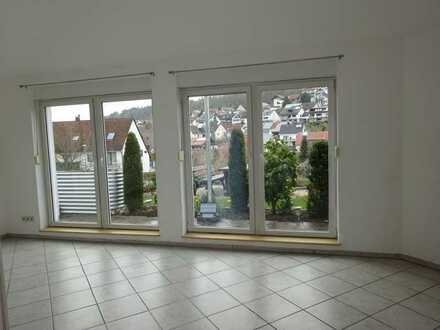 Lichtdurchflutete 2-Zimmer-Einliegerwohnung mit Terrasse