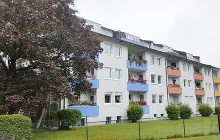 Exklusive, modernisierte 3-Zimmer-Wohnung mit Loggia und Stellplatz