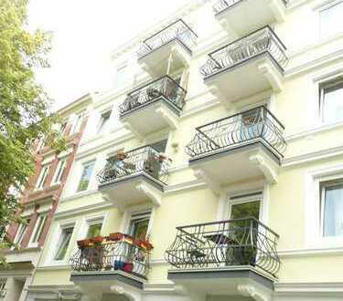 Ruhige 3-Zimmer Altbauwohnung mit Balkon in Eppendorf