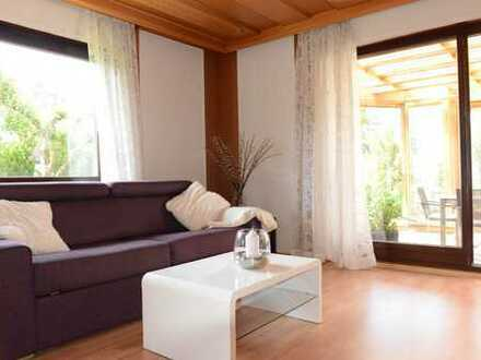 Schöne, geräumige zweieinhalb Zimmer Wohnung in Nürnberg - modern möbliert