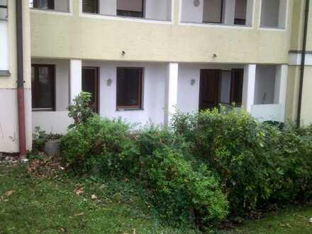 Gepflegte EG-Wohnung mit zwei Zimmern Einbauküche in Simbach am Inn