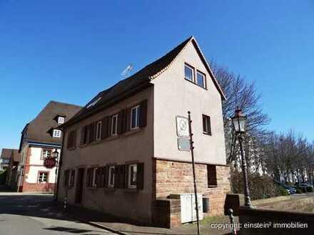 Ein Haus mit viel Geschichte(n)!? Kleines EFH + Baugrundstück zentral in KA-Durlach