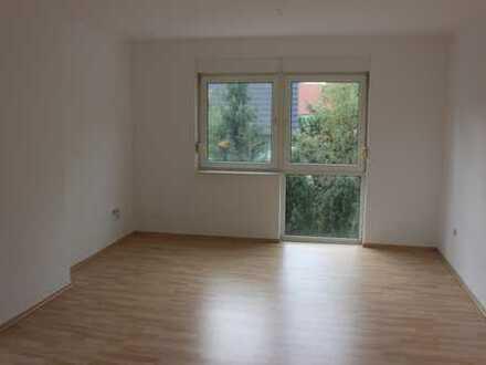 PROVISIONSFREIE 2-Raumwohnung mit Balkon und mit Einbau in ruhiger Lage von Colditz zu vermieten !!!