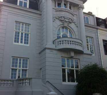 Etagenwohnung 104 m² in einem 4 Familien Jugendstilhaus in zentr. Lage, renoviert und provisionsfrei