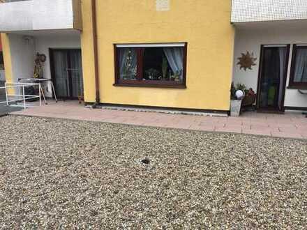 Provisionsfreie, gepflegte 4-Zimmer-Wohnung mit großem Garten, Terrasse und Doppelgarage