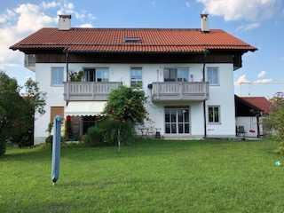 """EG - Souterrainwohnung mit großem Gartenanteil und 2 Terrassen """"Verkauf provisionsfrei"""""""