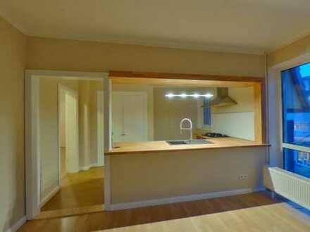 Attraktive Wohnung in Mahlsdorf + Bezugsfrei + offene Küche + für Eigennutzer oder Kapitalanleger !