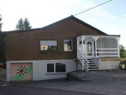 Schönes, geräumiges Haus mit sieben Zimmern in Saarlouis (Kreis), Schmelz