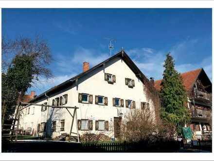 Landhaus mit Tradition, 6 Wohneinheiten, zentrale Lage, teilrenoviert
