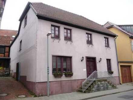 Sehr großes Einfamilienhaus mit Nebengebäuden - PROVISIONSFREI !!!