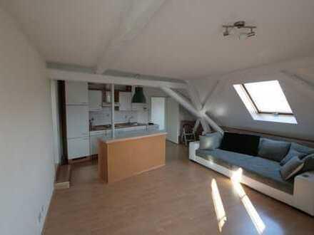 2 ZKB im Dachgeschoss für Einzelperson oder Paar