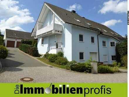Gepflegte, neuwertige Doppelhaushälfte in schöner Wohnlage von Döhlau