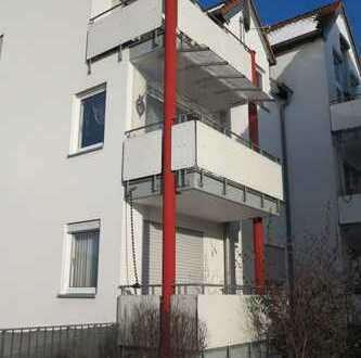 Sehr schöne 3 Zimmer-Wohnung mit Balkon und PKW-Stellplatz