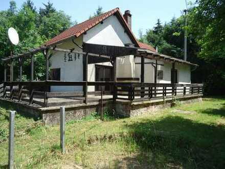 Massives Wochenendhaus in absolut ruhiger Alleinlage im Wald - Kein Erstwohnsitz