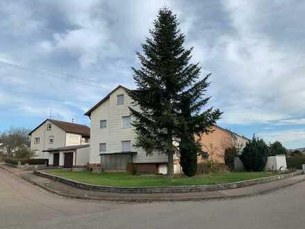 Zweifamilienhaus mit Einliegerwohnung in Steinheims Wagnerstraße!