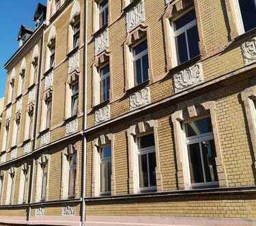 helle Zweiraumwohnung mit Balkon und Stellplatz