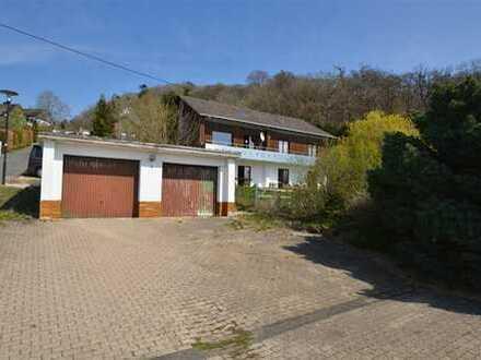 Einfamilienhaus mit viel Platz für die große Familie, ELW, herrlichem Ausblick, offenem Kamin,Garten