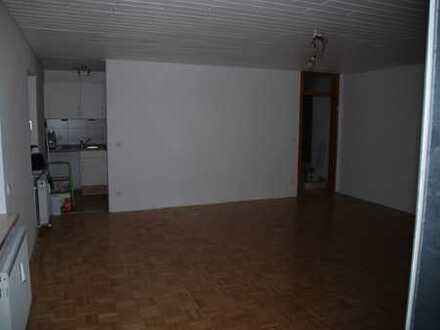 Zentral gelegene 2-Zi-Eigentumswohnung mit 60m² Wfl. - 1.OG