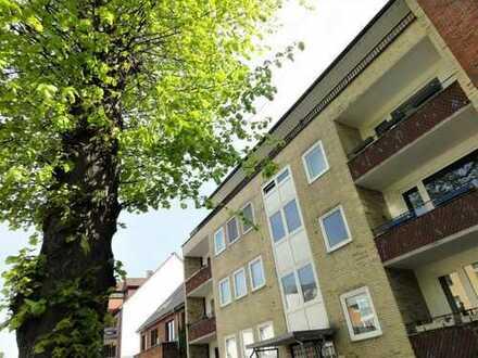 * FUHLSBÜTTEL / Maienweg * Erstbezug nach Sanierung! Helle 3-Zimmer-88m²-Wohnung in guter Lage