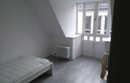 Exklusive, gepflegte 1-Zimmer-DG-Wohnung mit EBK in Karlsruhe von Privat zu verkaufen